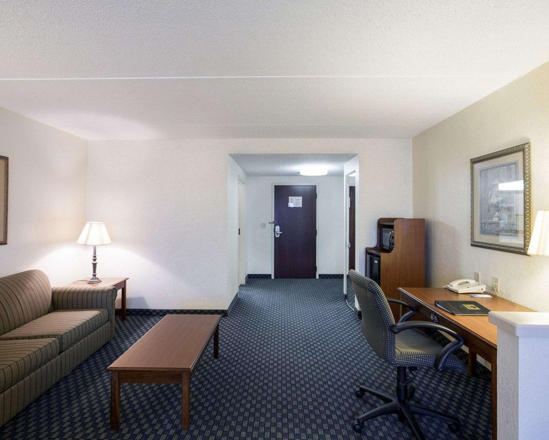 Suite - Comfort Inn & Suites Airport San Antonio