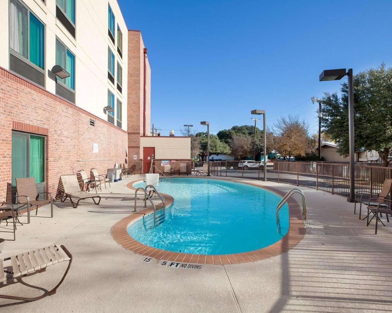 Pool - Comfort Inn & Suites Airport San Antonio