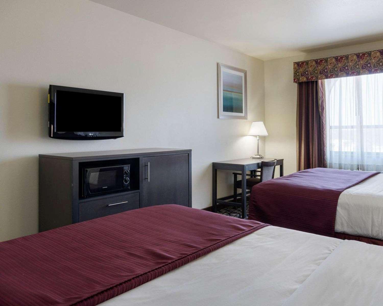 Room - Quality Inn Buffalo