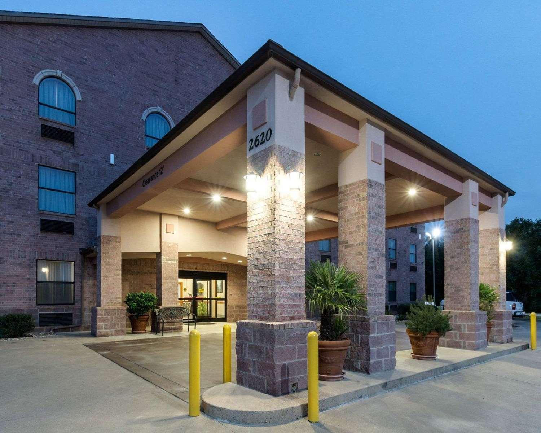 Exterior view - Quality Inn Buffalo