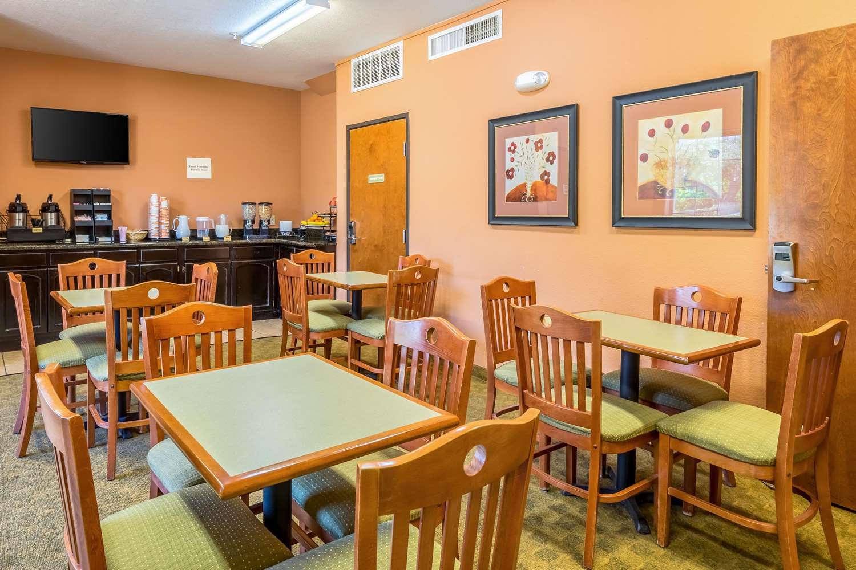 Restaurant - Econo Lodge Inn & Suites New Braunfels