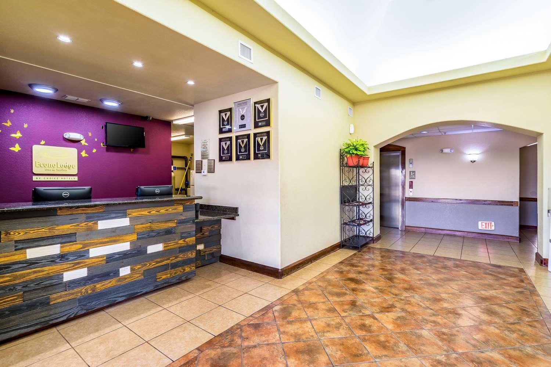 Lobby - Econo Lodge Inn & Suites New Braunfels