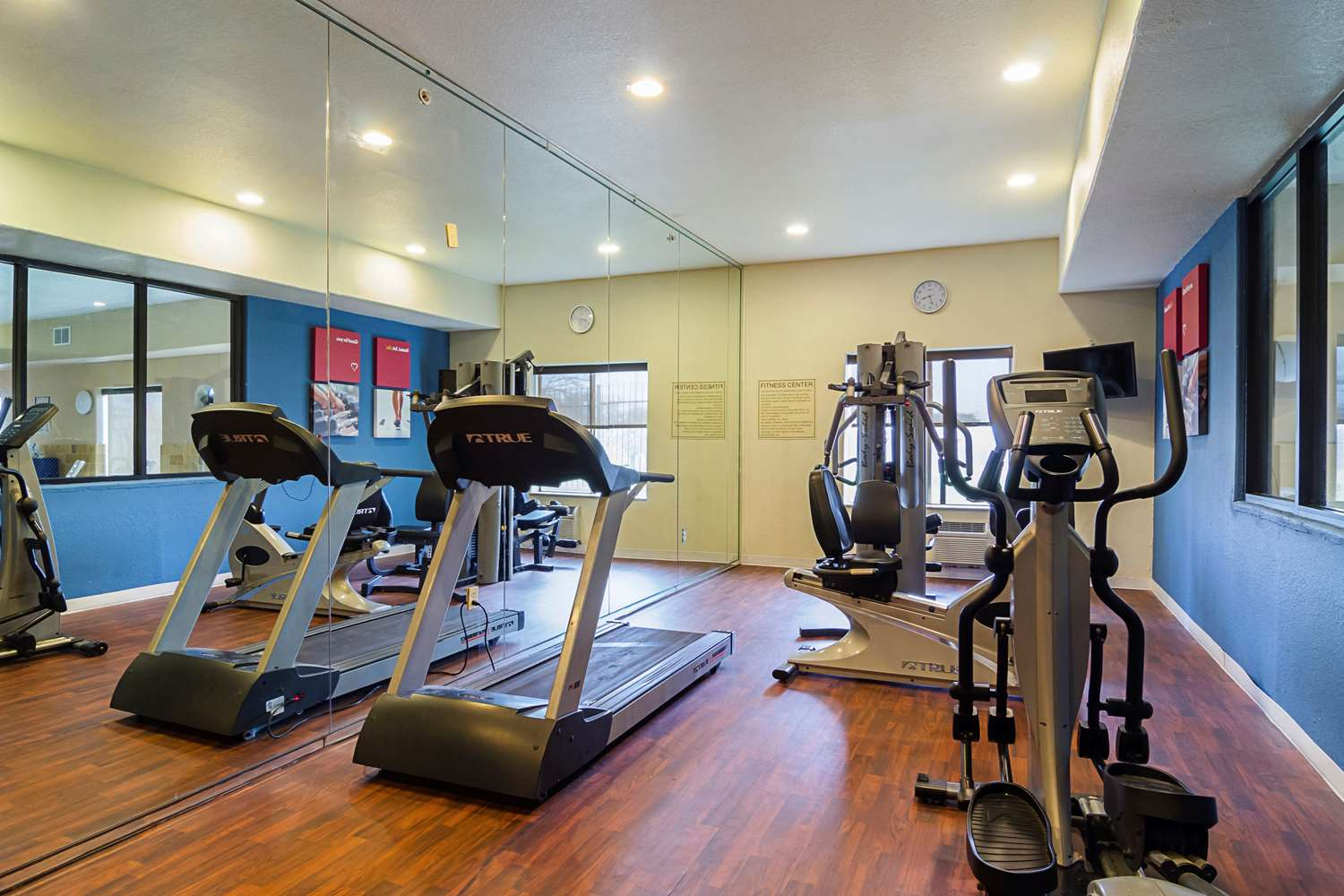 Fitness/ Exercise Room - Quality Suites North I-35 San Antonio