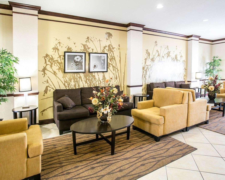 Lobby - Sleep Inn & Suites New Braunfels