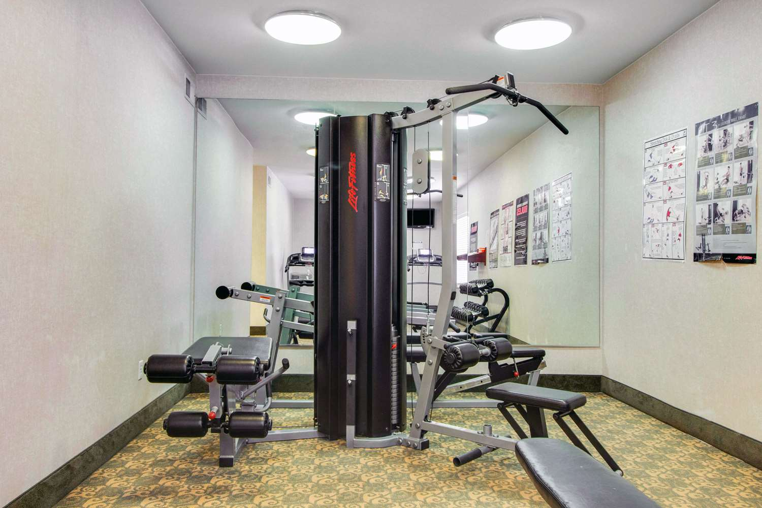 Fitness/ Exercise Room - MainStay Suites Medical Center Houston
