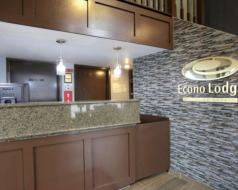 Lobby - Econo Lodge Austin