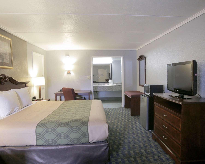 Room - Econo Lodge Austin