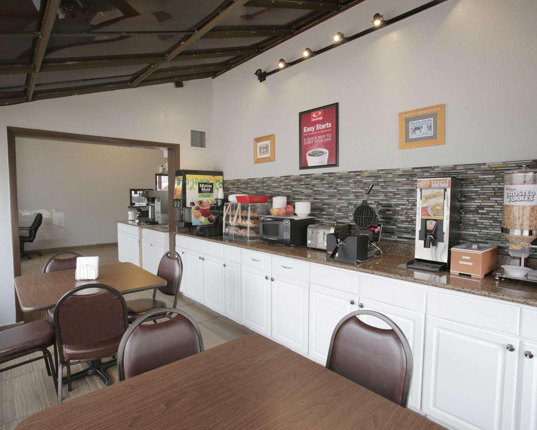 Restaurant - Econo Lodge Austin