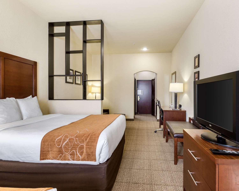 Room - Comfort Suites Webster