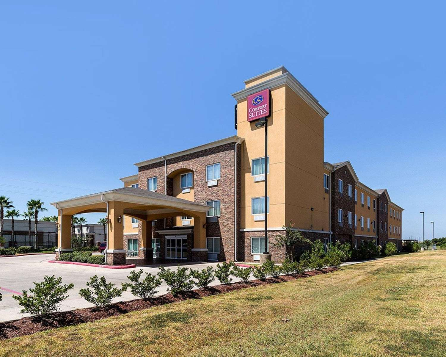 Comfort Suites Pearland, TX - See Discounts