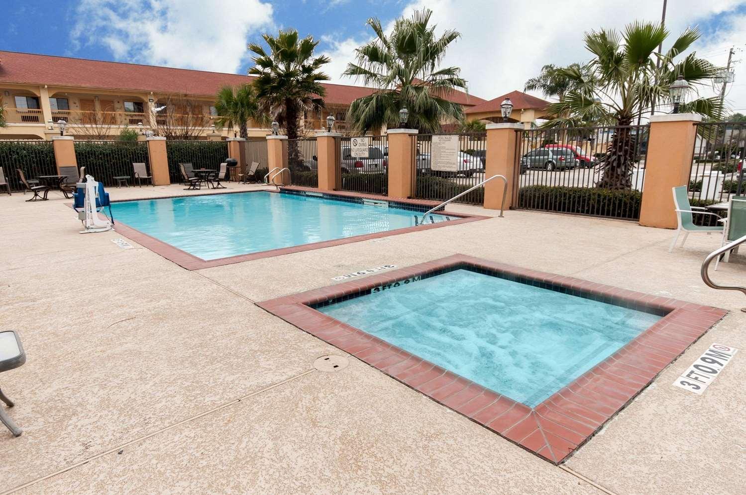 Pool - Comfort Suites Hobby Airport Houston