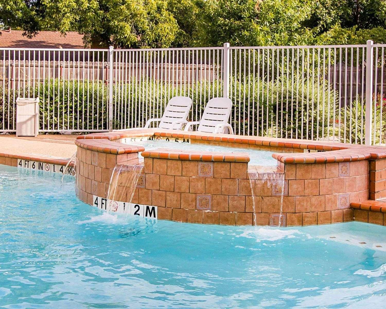 Pool - Comfort Suites Abilene