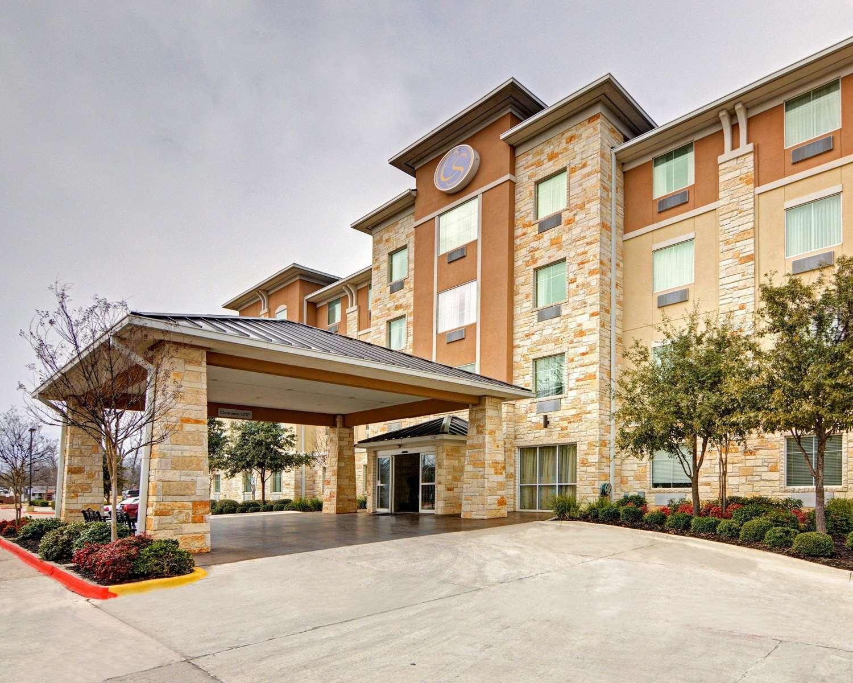 Exterior view - Comfort Suites Arlington