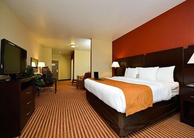 Suite - Comfort Suites Bay City