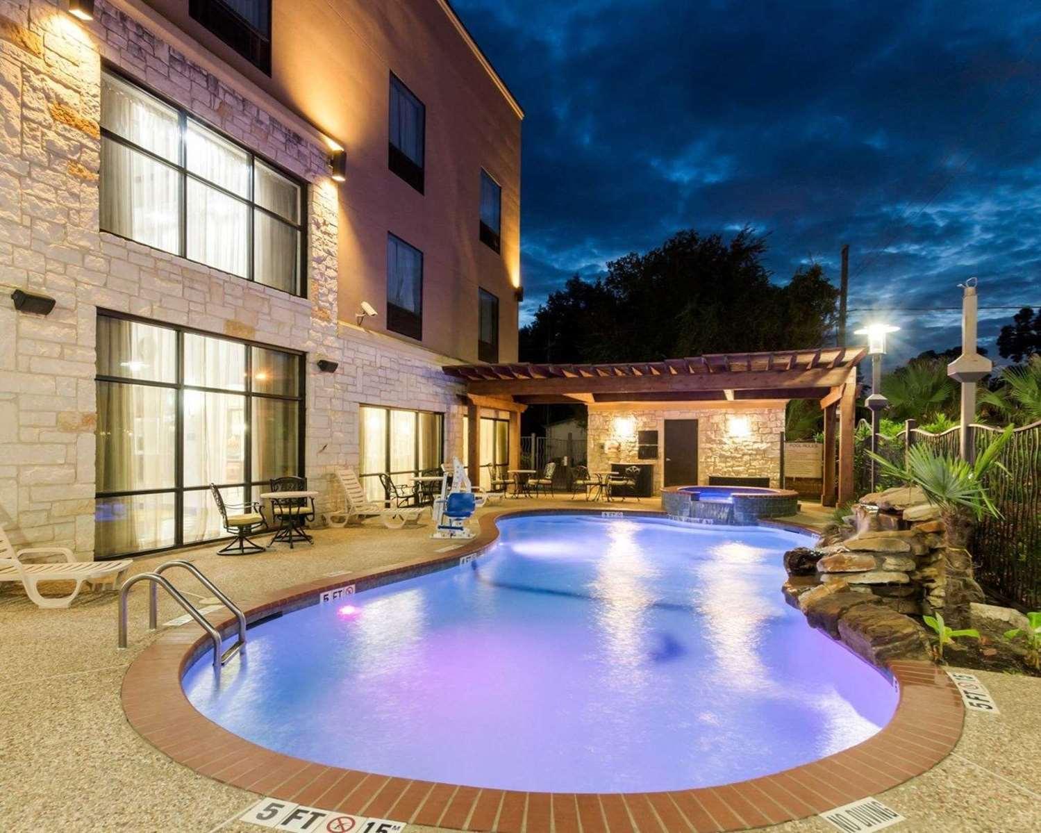 Pool - Comfort Suites Jewett