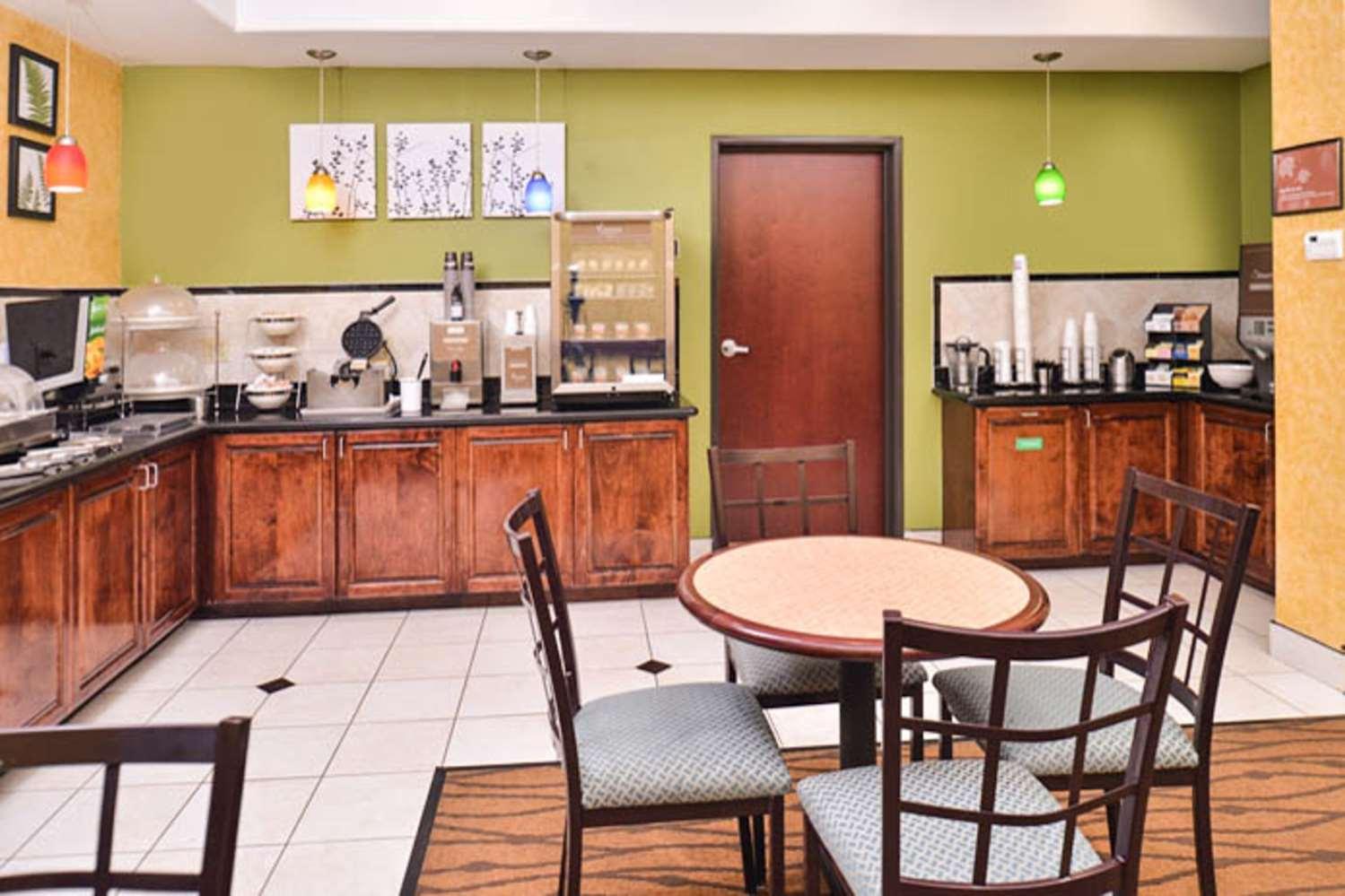 Restaurant - Sleep Inn & Suites Downtown Houston