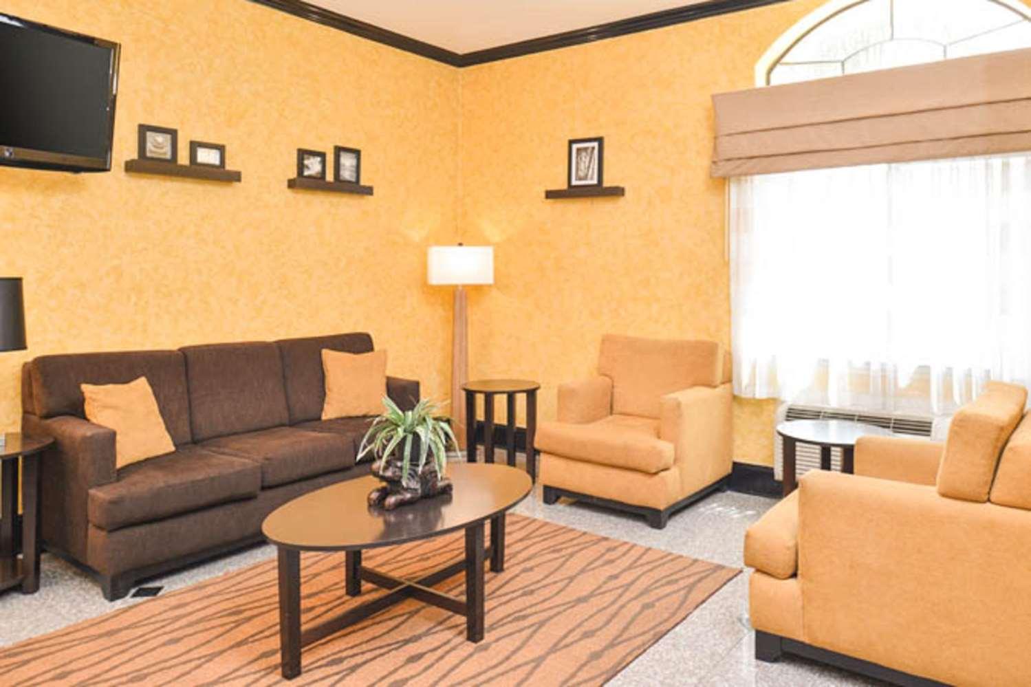 Lobby - Sleep Inn & Suites Downtown Houston