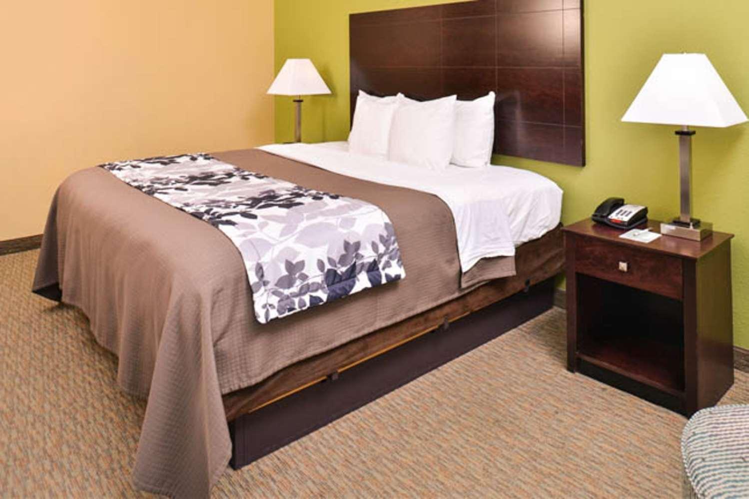 Room - Sleep Inn & Suites Downtown Houston
