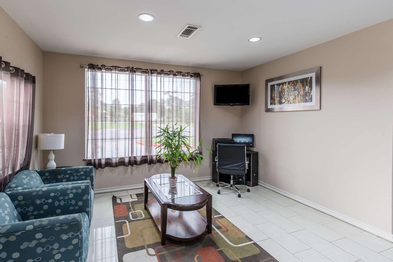 Conference Area - Econo Lodge Inn & Suites Bridge City