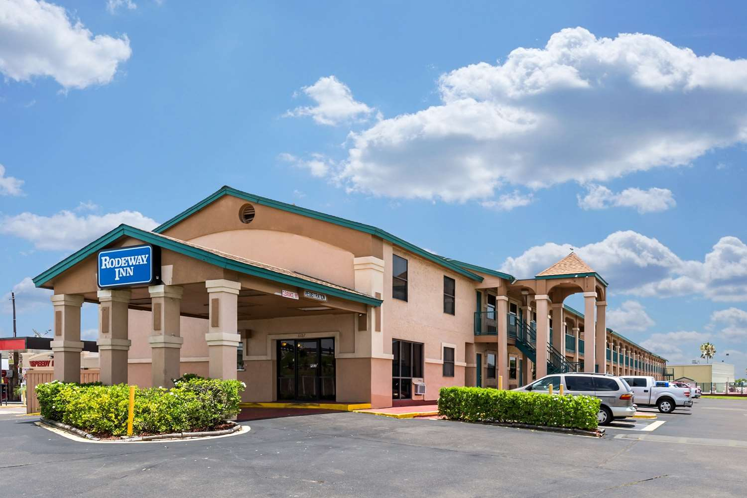 Cheap Hotels Near Galveston Convention Center