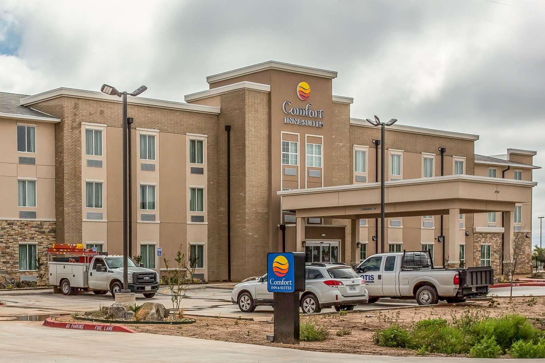 Exterior view - Comfort Inn & Suites Snyder