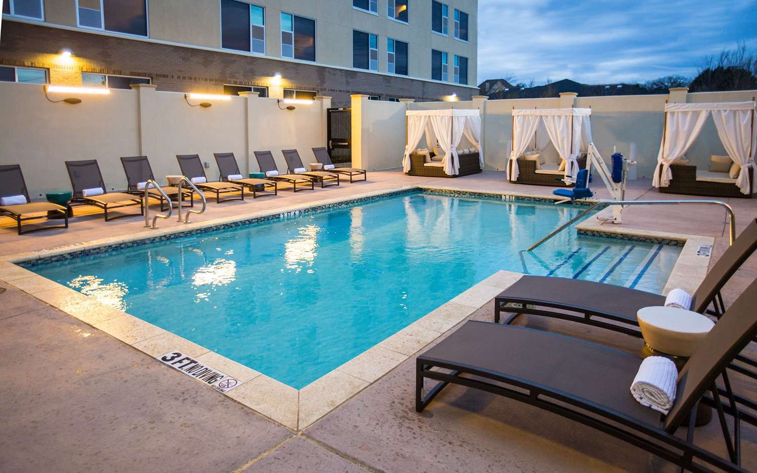 Pool Cambria Hotel Suites Southlake