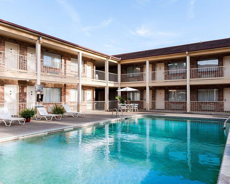Pool - Rodeway Inn Jasper