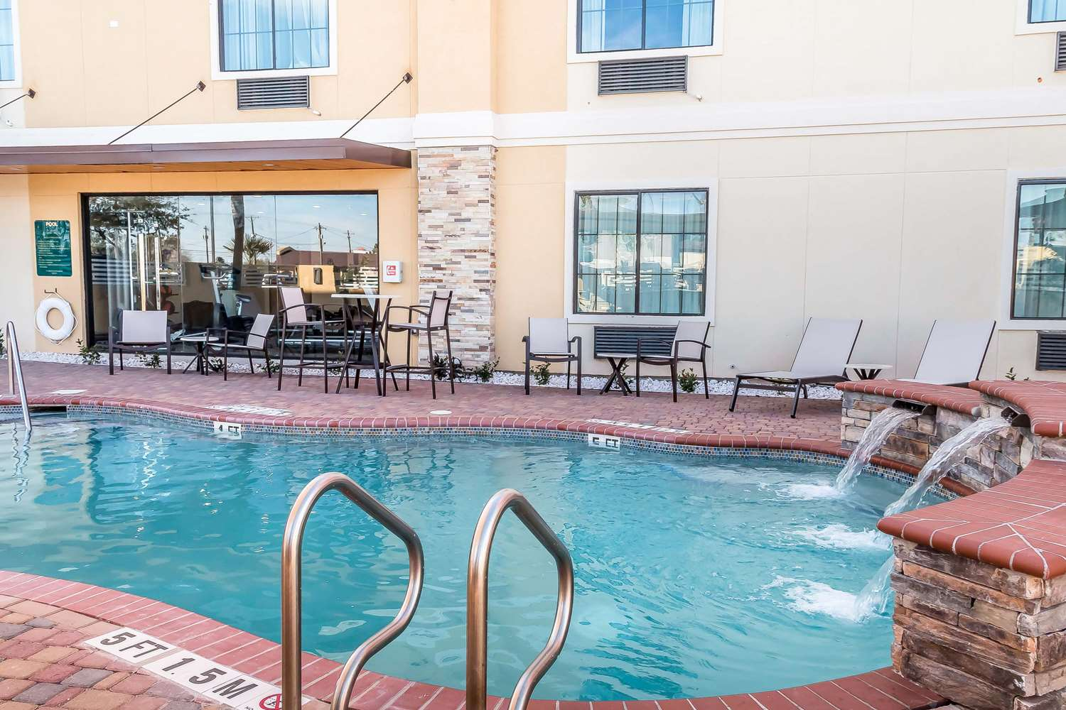 Pool - Mainstay Suites Edinburg