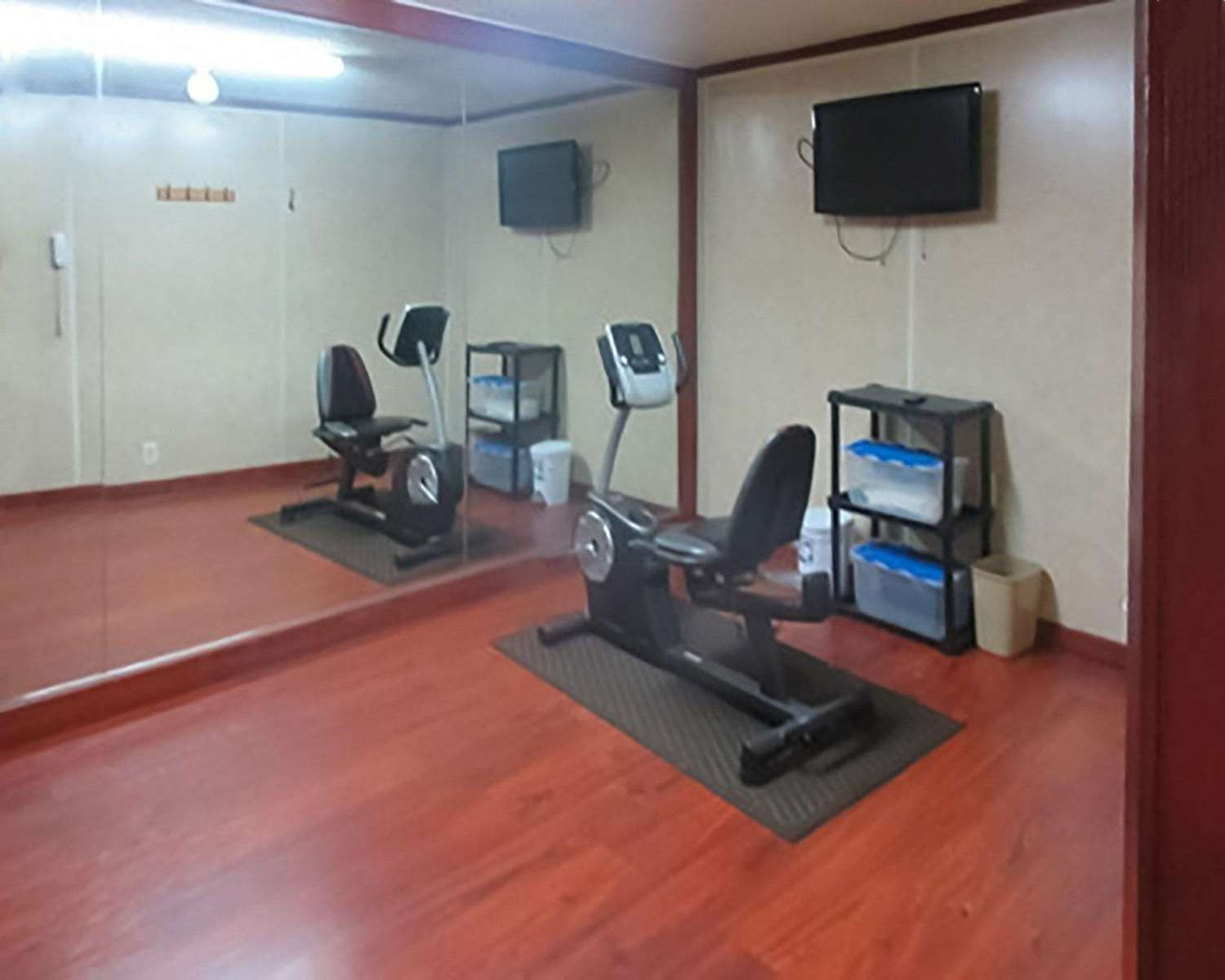 Fitness/ Exercise Room - Econo Lodge Inn & Suites Tyler