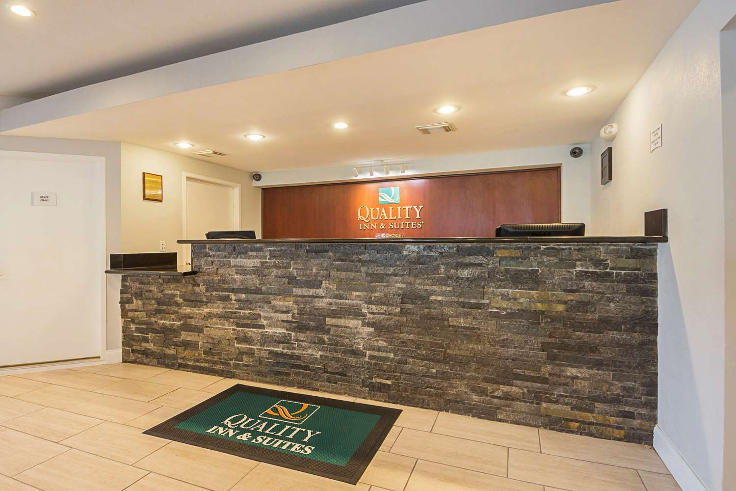 Lobby - Quality Inn & Suites Richland Hills