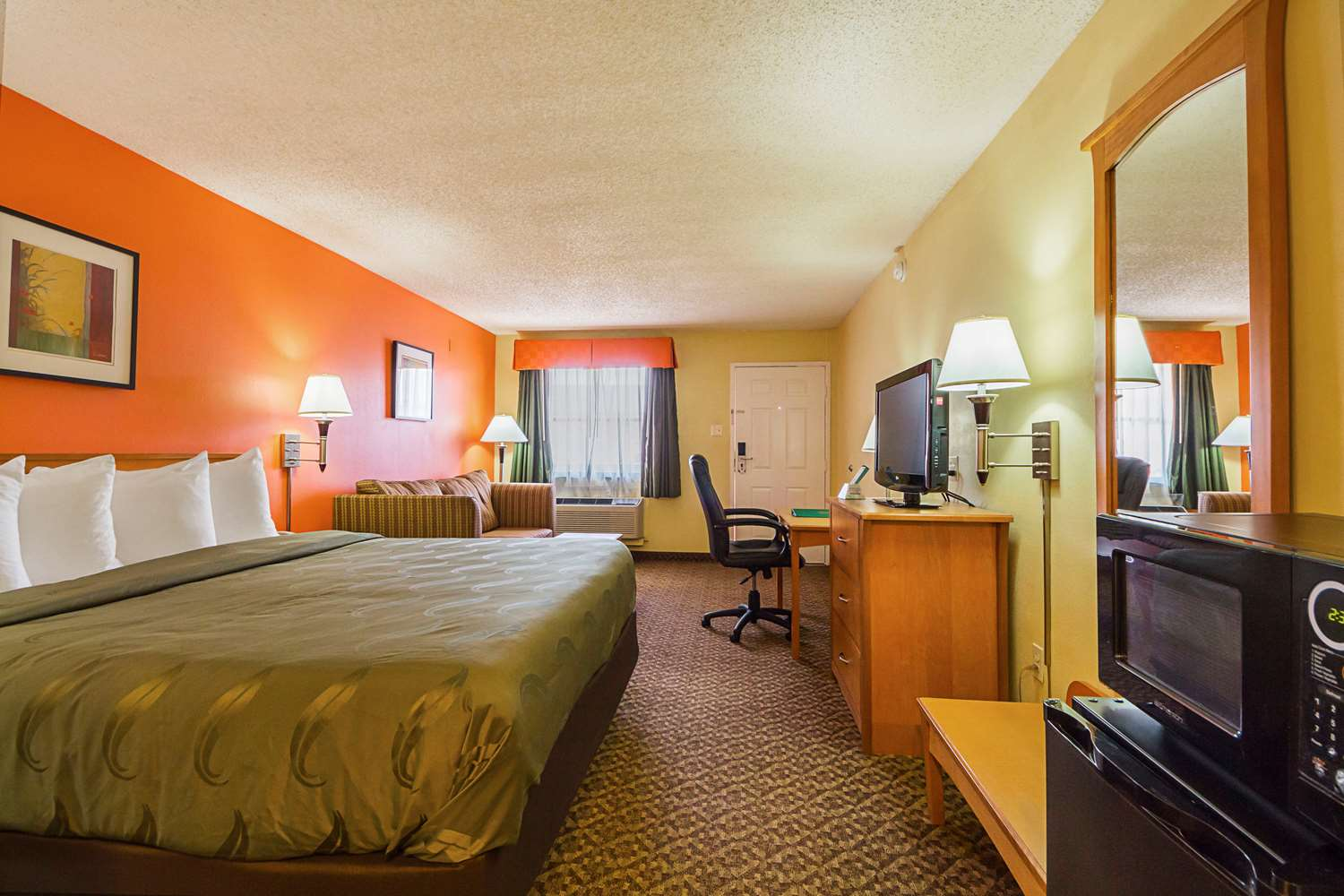 Room - Quality Inn & Suites Richland Hills