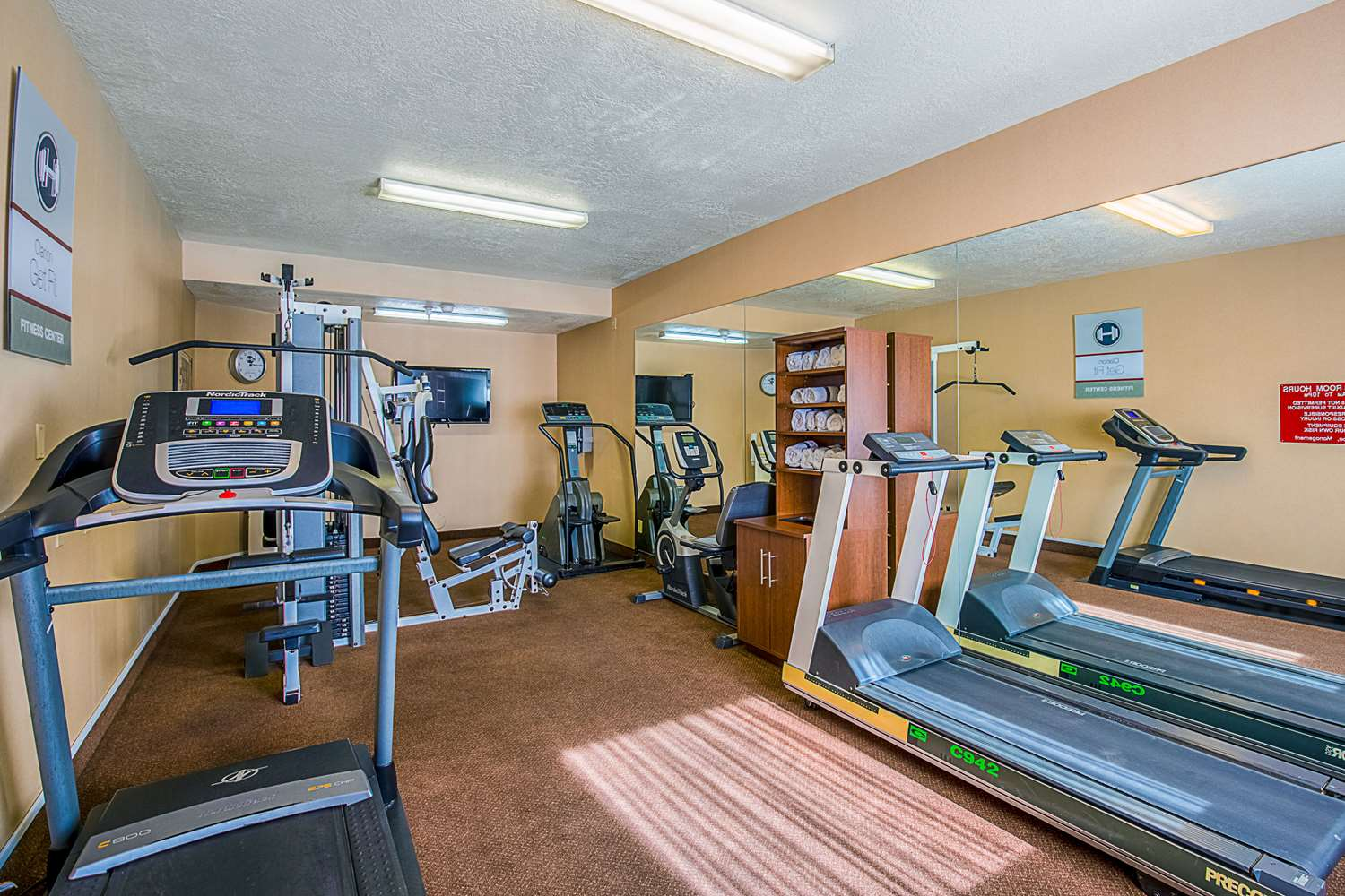 Fitness/ Exercise Room - Clarion Suites Hotel St George