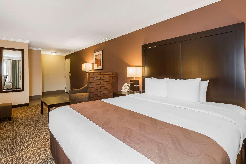 Room - Quality Inn & Suites Murray