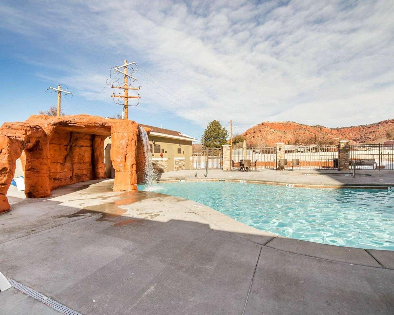 Pool - Comfort Suites Kanab