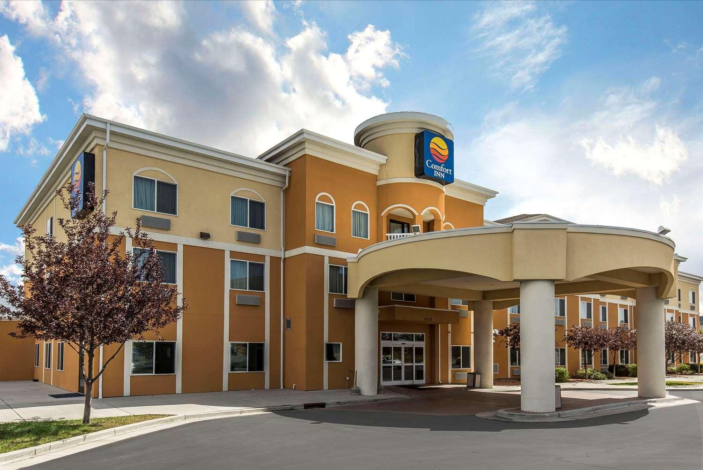 Exterior view - Comfort Inn & Suites Farr West