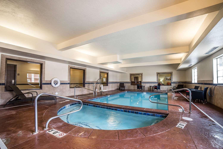 Pool - Comfort Inn Ballard