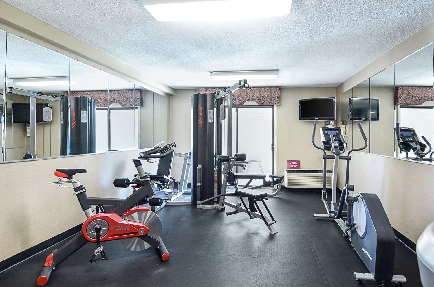 Fitness/ Exercise Room - Quality Inn Winchester