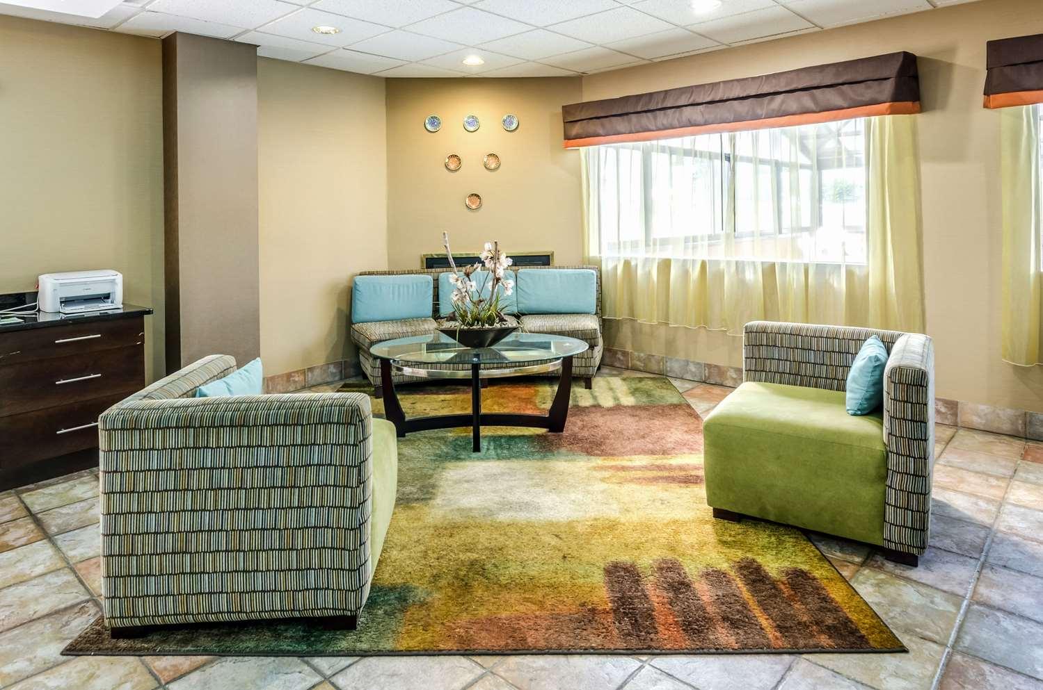 Lobby - Quality Inn & Suites Wytheville