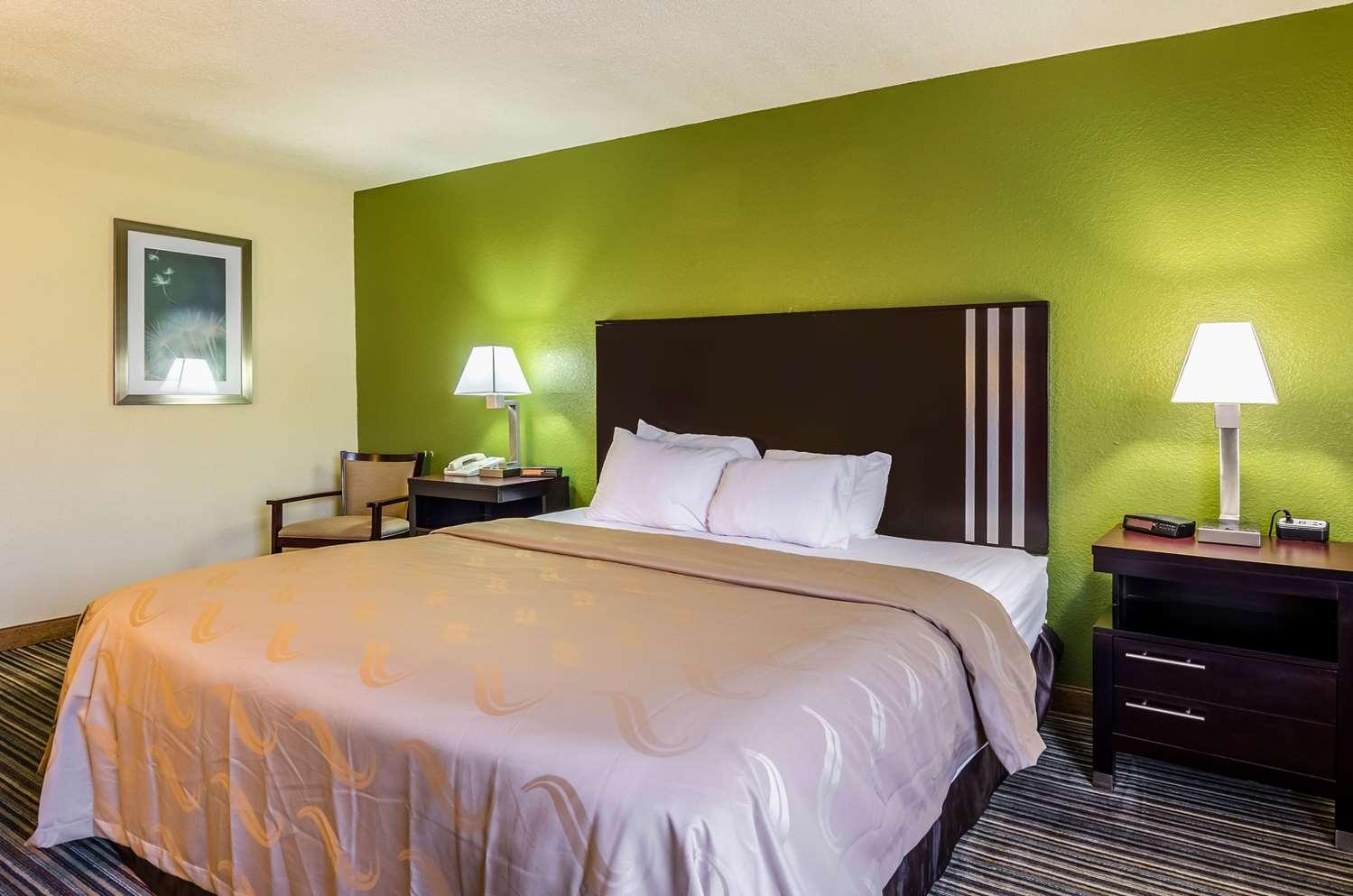 Room - Quality Inn & Suites Wytheville