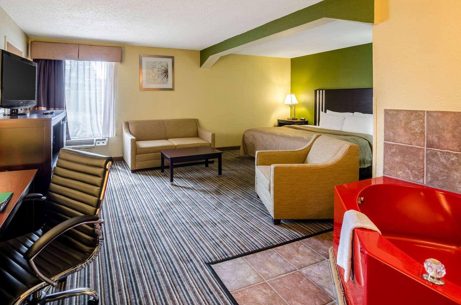 Suite - Quality Inn & Suites Wytheville