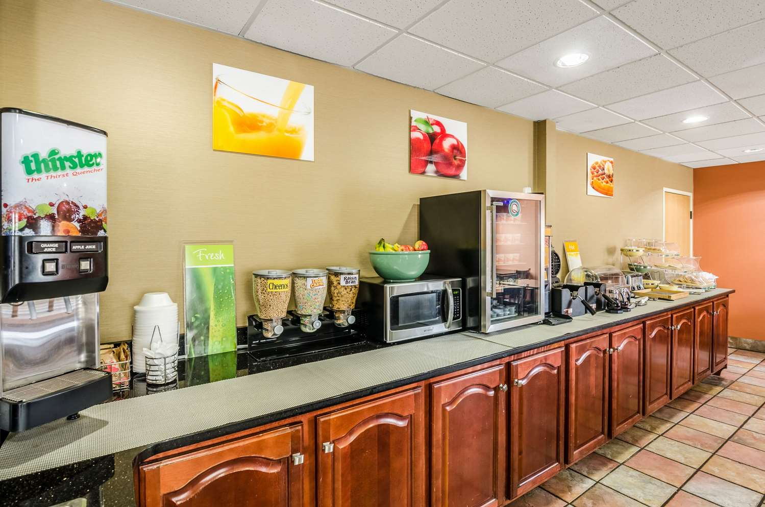 Restaurant - Quality Inn & Suites Wytheville