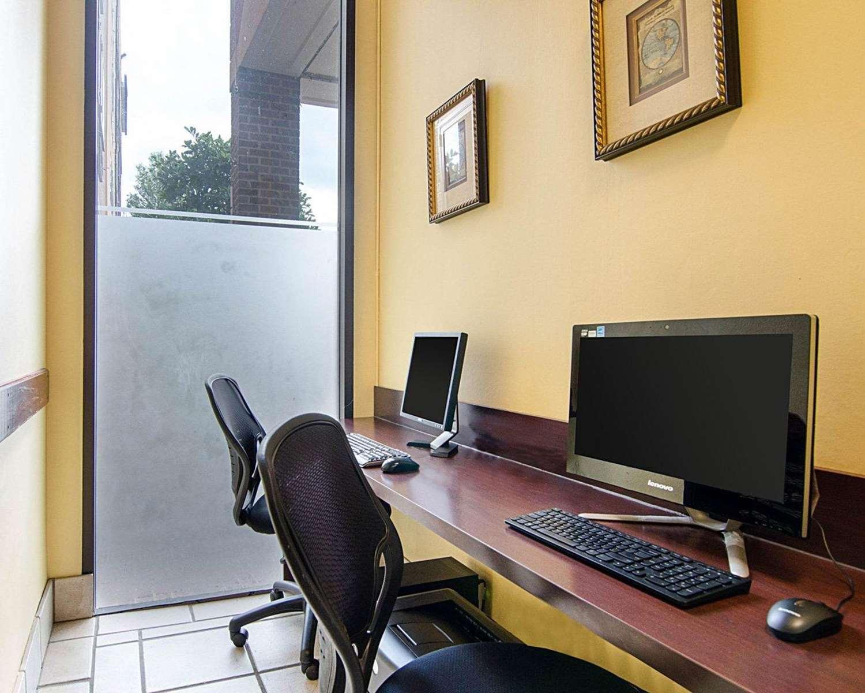 Conference Area - Comfort Inn Univ Center Fairfax