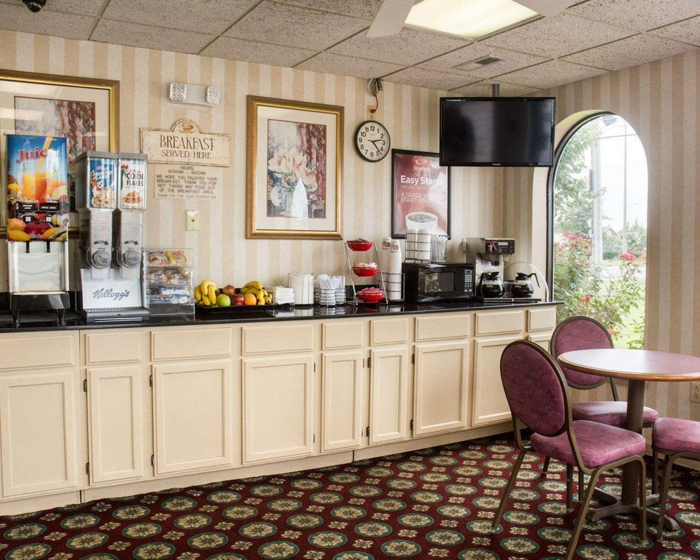 Restaurant - Econo Lodge Chesapeake