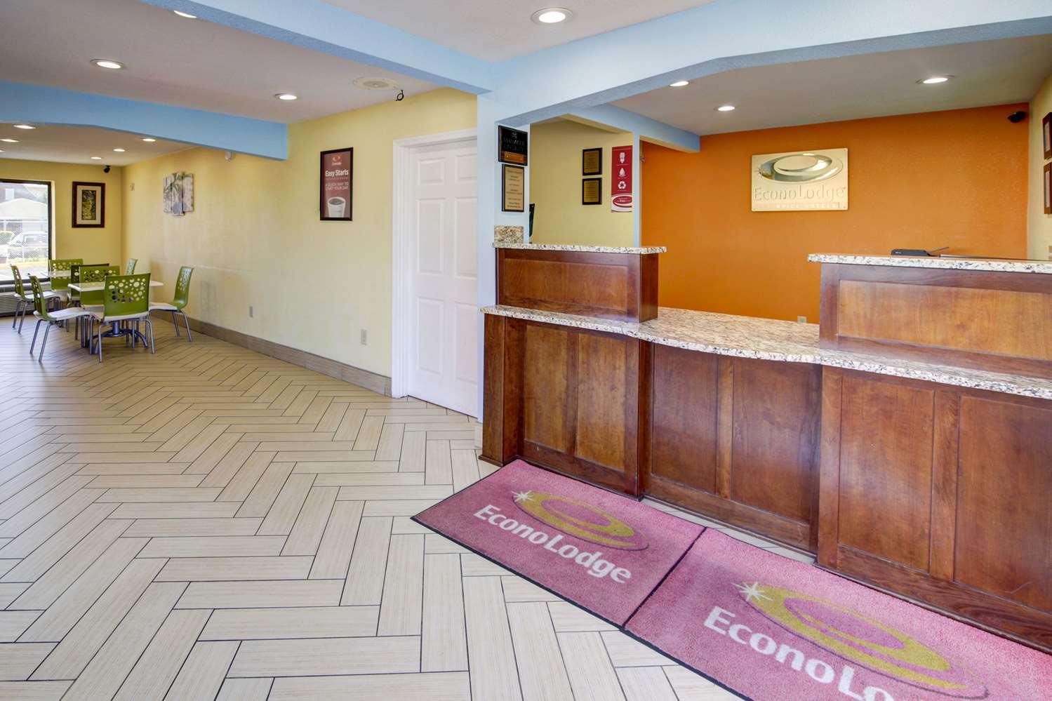 Lobby - Econo Lodge Military Circle Norfolk