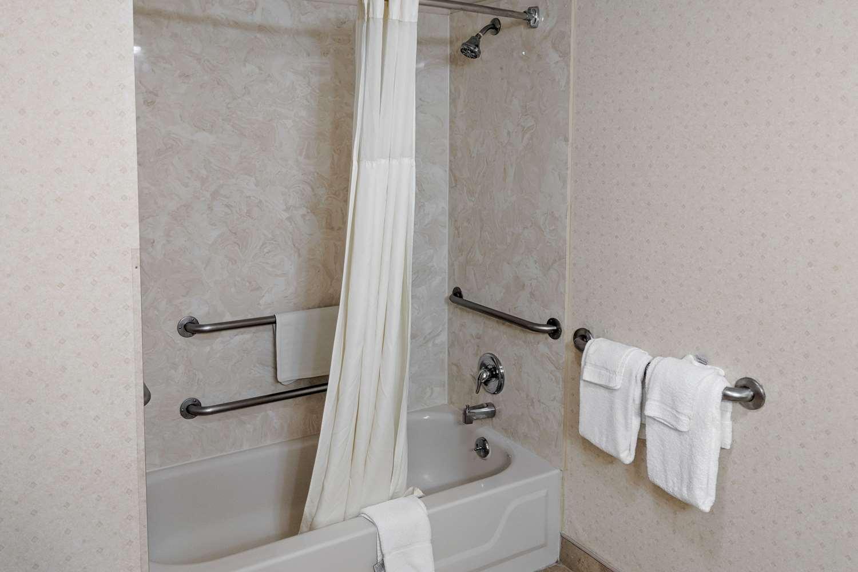 Room - Quality Inn Wildwood Road Salem