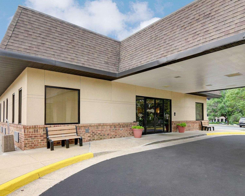 Exterior view - Quality Inn Tysons Corner