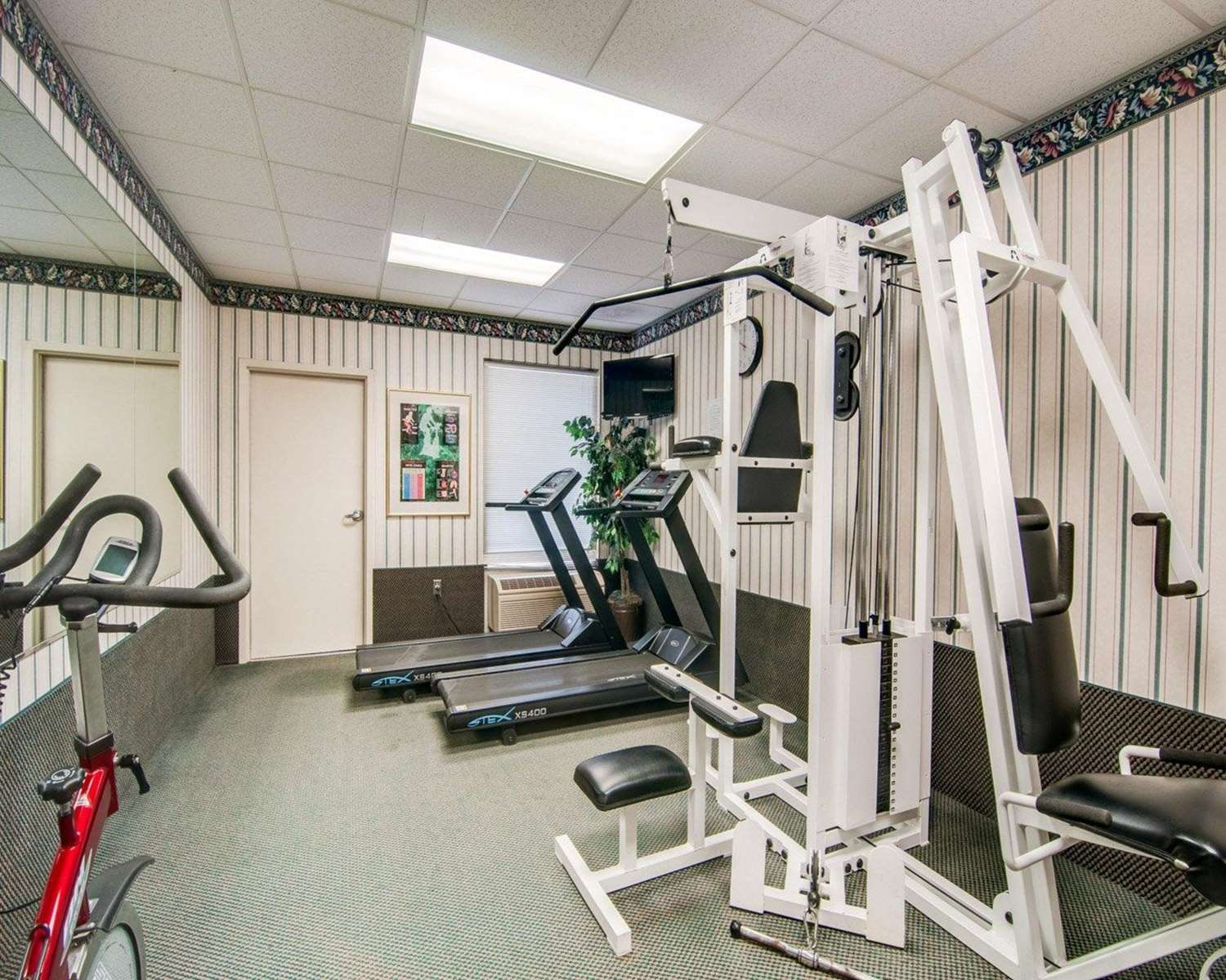 Fitness/ Exercise Room - Comfort Inn Roanoke