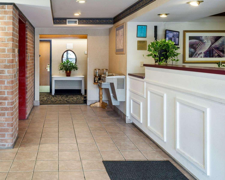Lobby - Econo Lodge Hopewell