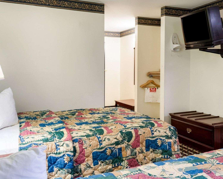 Room - Econo Lodge Hopewell