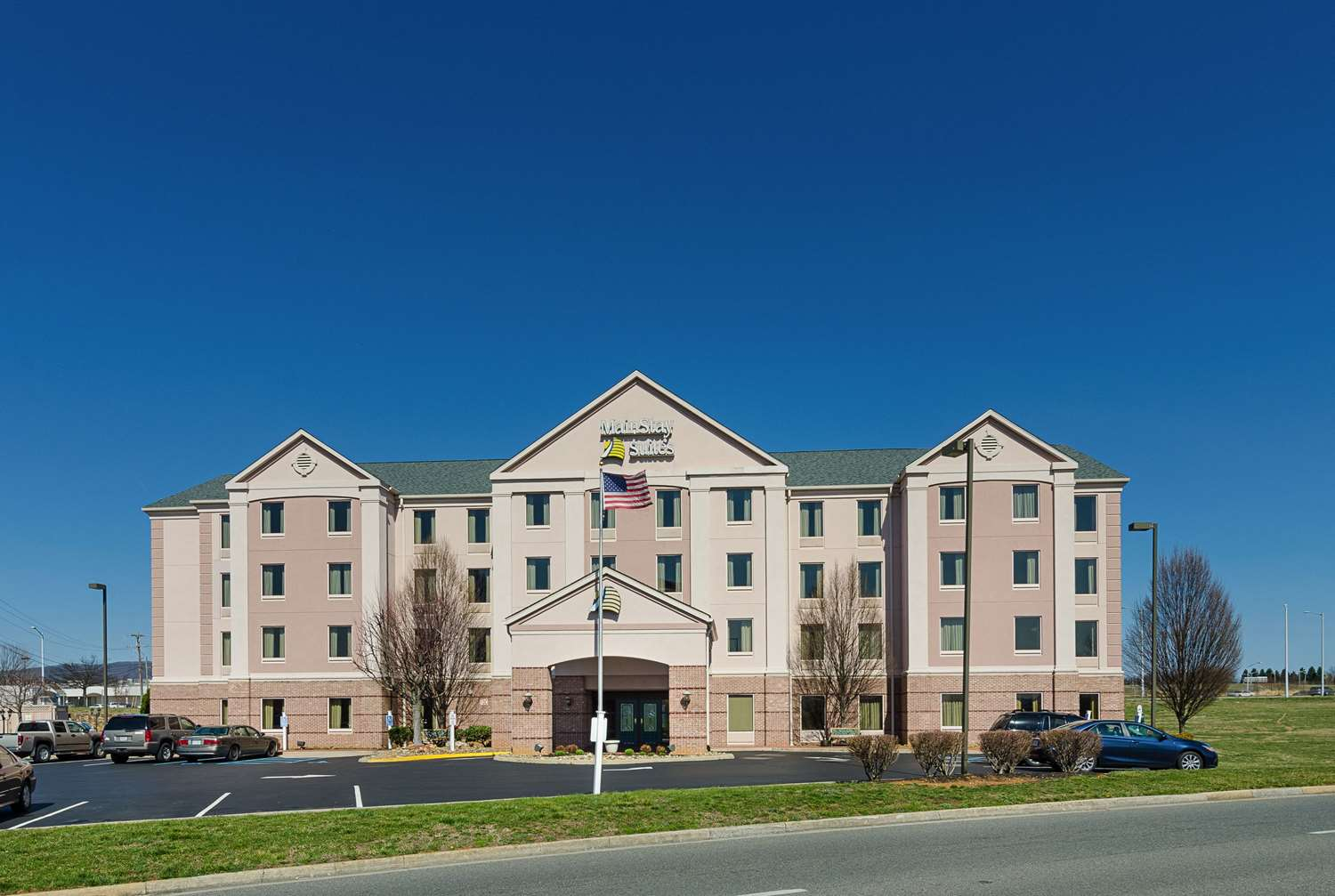 Exterior view - MainStay Suites Airport Roanoke